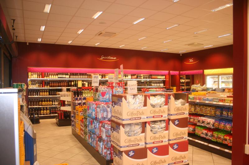Tankstation interieurs benova for Interieur bouwer